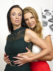 Two hot housewives palying out their lesbian fantasies