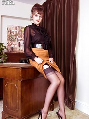 Here's your appointment with Kate at the Institute of Advanced Masturbation. Here you will get her full attention in her genuine vintage nylons helping you to a fulfilling wank.