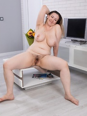 Marsela has sexy fun after smelling her flowers