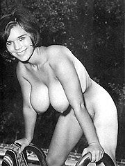 Chick from the sixties showing her big naturals