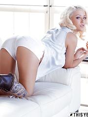 Sabrina Bunny miosotis natural wonder boobs