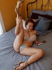 Kelsey Berneray gubelmann boobs natural or fake