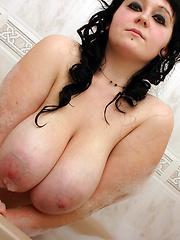 Gloria Gotta Tub