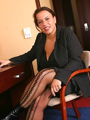 Aneta Secretary in pantyhose