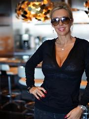 Wifey Gives Blowjob On Vegas Balcony