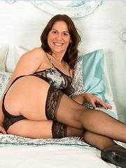 Mature Amateurs in Stockings