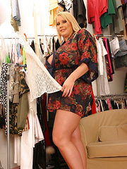 Laura M before photo shoot